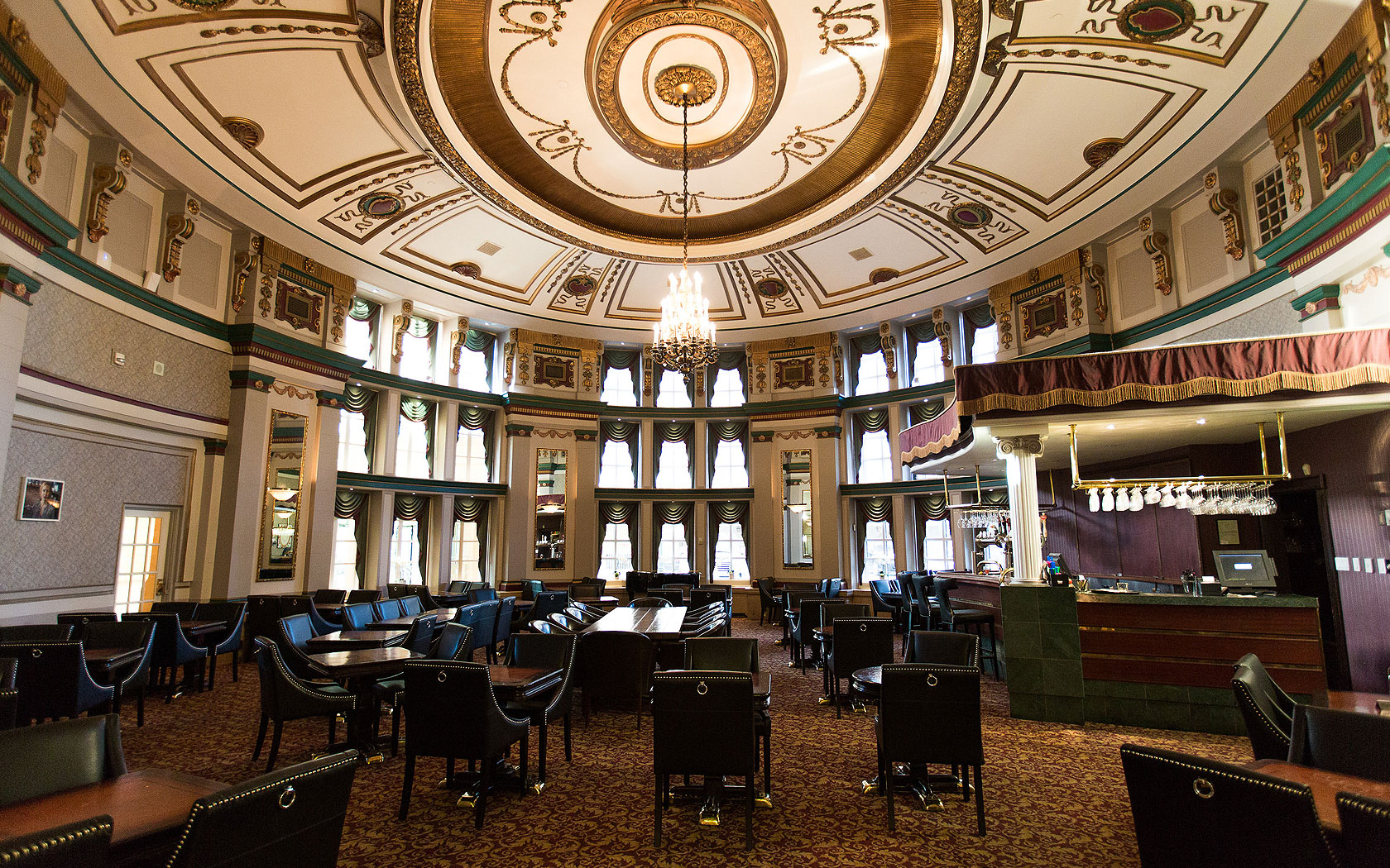 fort garry hotel palm lounge