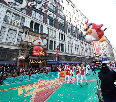 Macy's Thanksgiving day parade with an Angry Birds Float
