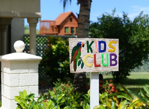 sign for the kids club