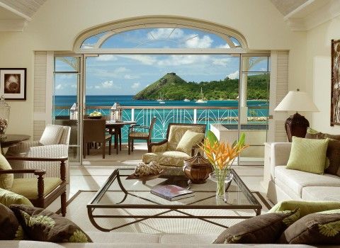 Suite with living room and beach view