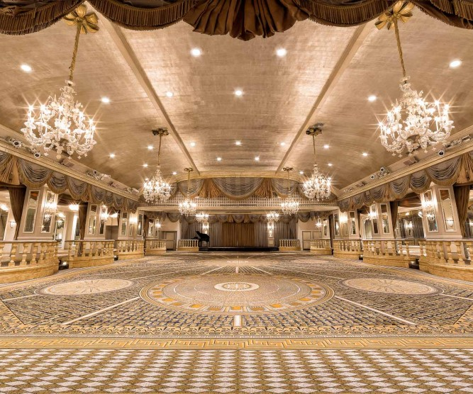 balllroom with big chandeliers