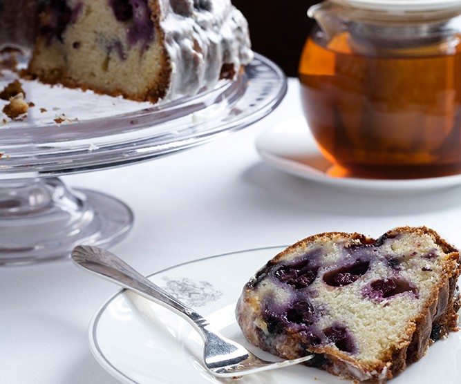 blueberry cake and tea