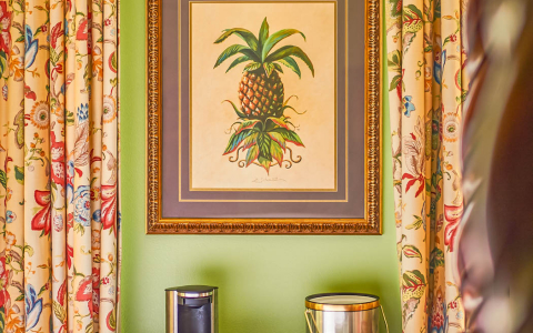 painting on wall of pineapple