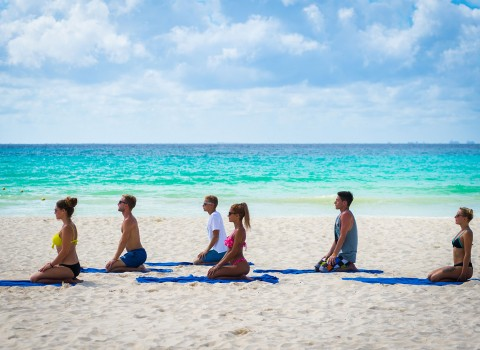 Playacar-Gallery-Yoga-On-Beach-582e2f0e7f30a.jpg