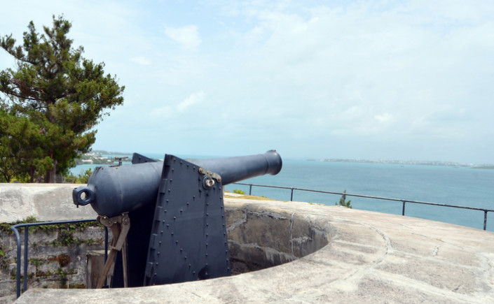 scaur hill fort cannon in bermuda