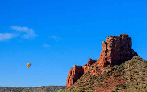 Arizona canyons and hot air balloon