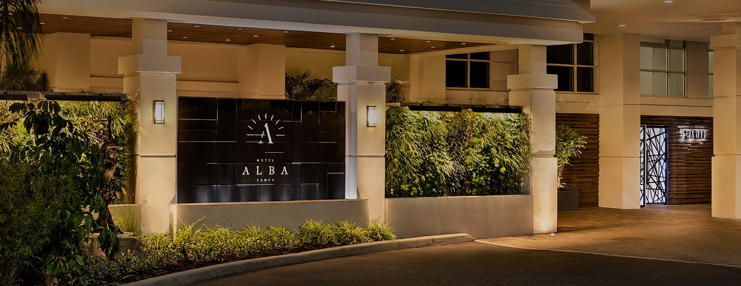 Entrance to Hotel Alba next to restaurant entrance