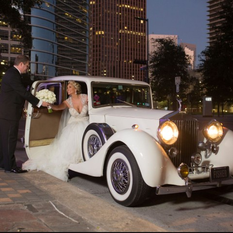 bride and groom arrival rolls royce