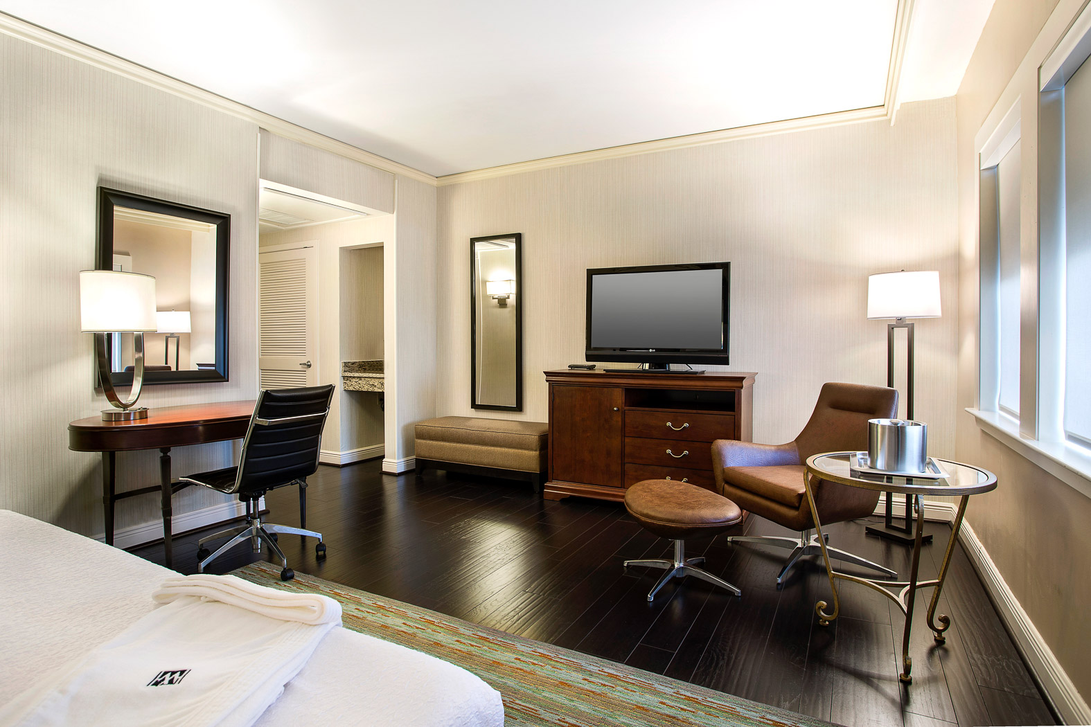 Hotel Rooms In Downtown Houston Book Now The Whitehall