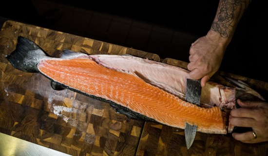 fileting a whole salmon