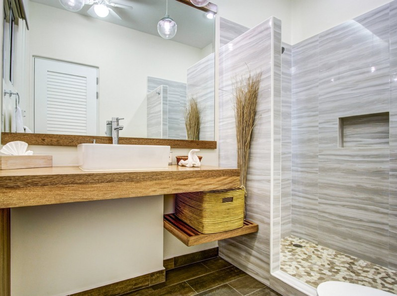 Two bedroom ocean view bathroom