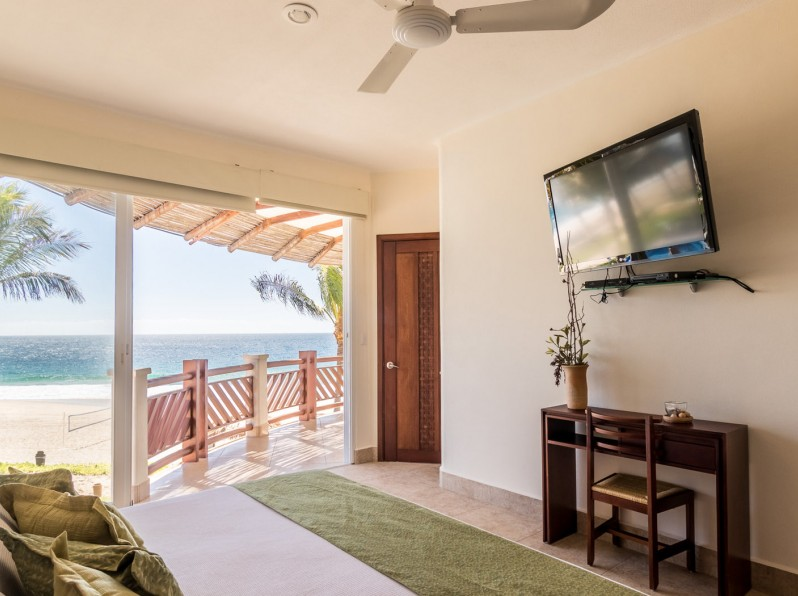 Four bedroom oceanfront bedroom