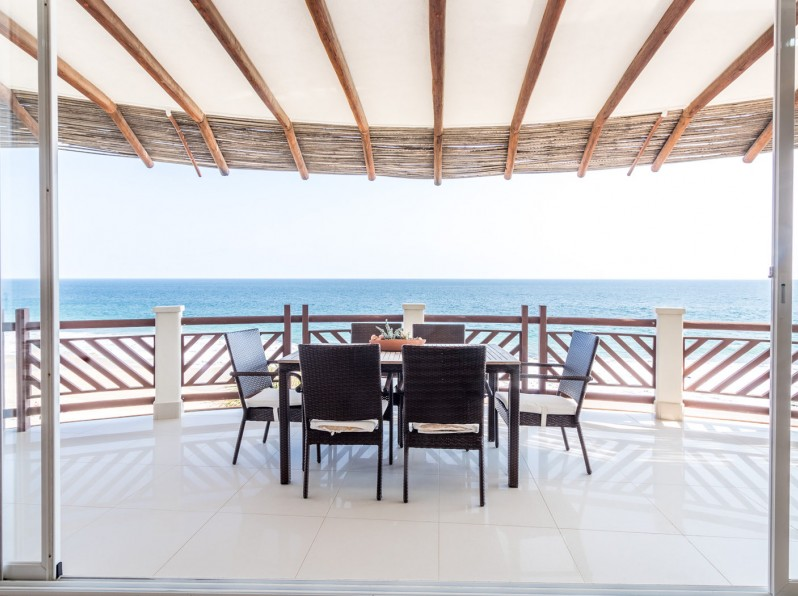 Four bedroom penthouse palapa dining