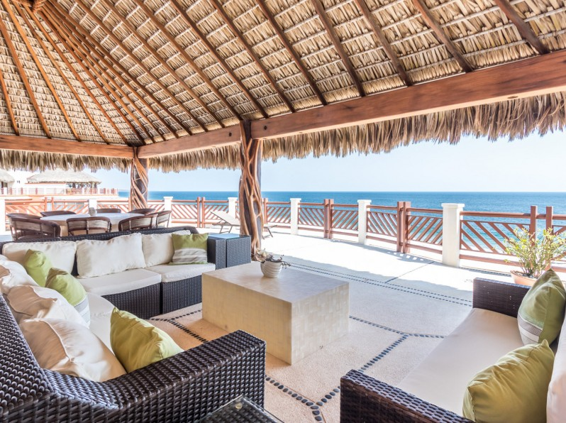 Four bedroom penthouse palapa