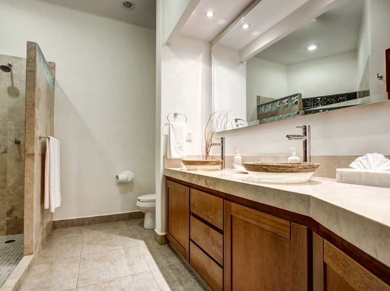 condo suites bathroom