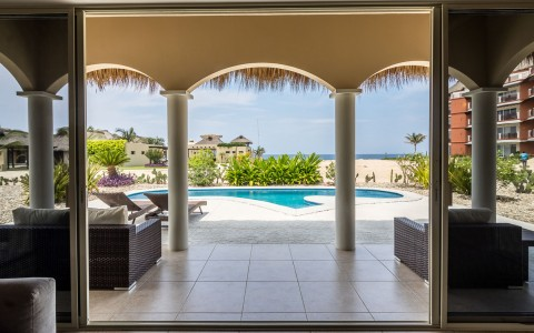 villas pool view