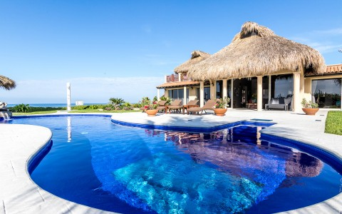 villas casadelfin with pool
