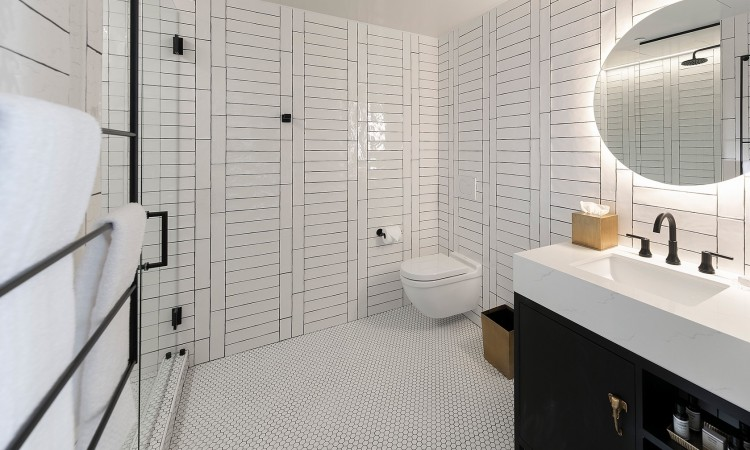 two queen bathroom all white tiles