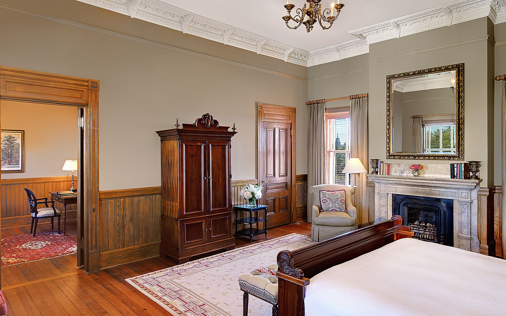 Rooms: Best Charleston Hotels