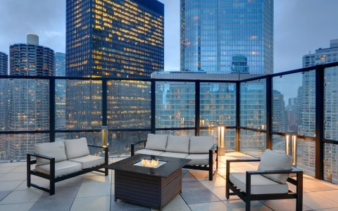 Wyndham Grand Chicago Riverfront terrace