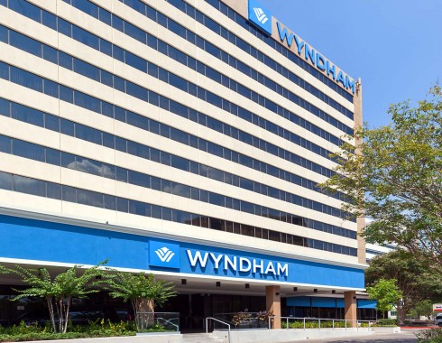 wyndham houston medical center exterior view of building
