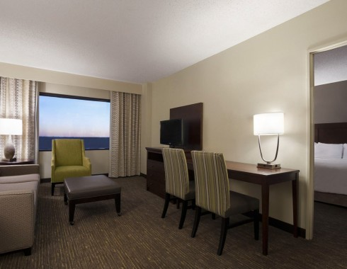 wyndham houston medical center suite with seating area
