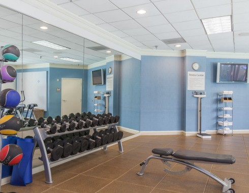 wyndham houston medical center fitness room